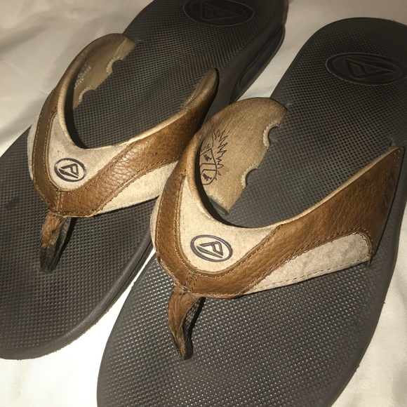 93e8cee14c78 Men s Fanning Reef sandals w bottle opener. M 5a66d4ec8df47048c3894ae6